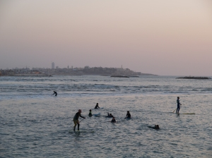surfing - tel aviv beach 02