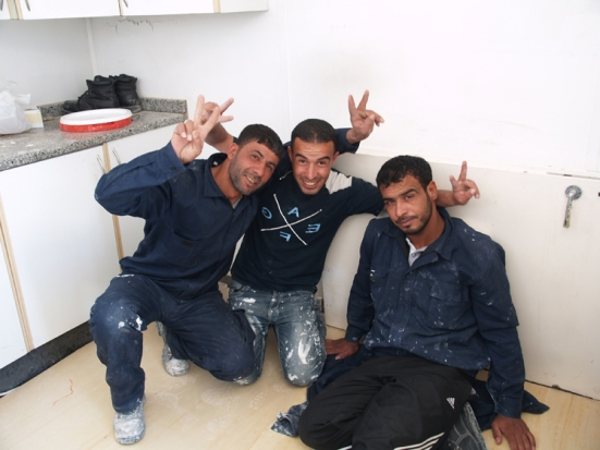 palestinian workers at abdali project 02