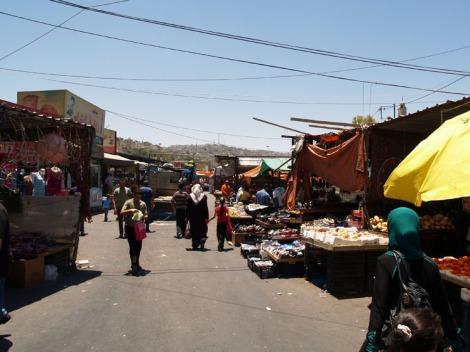 mahatta station - market